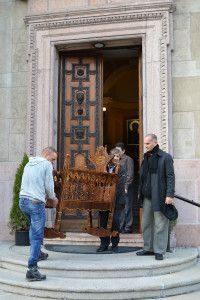 A bazilika lépcsőjén